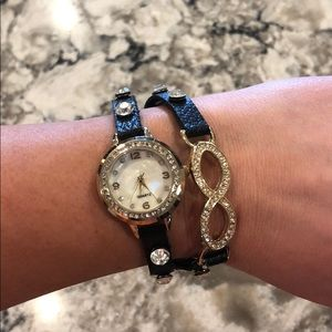 Jewelry - Wrap around watch
